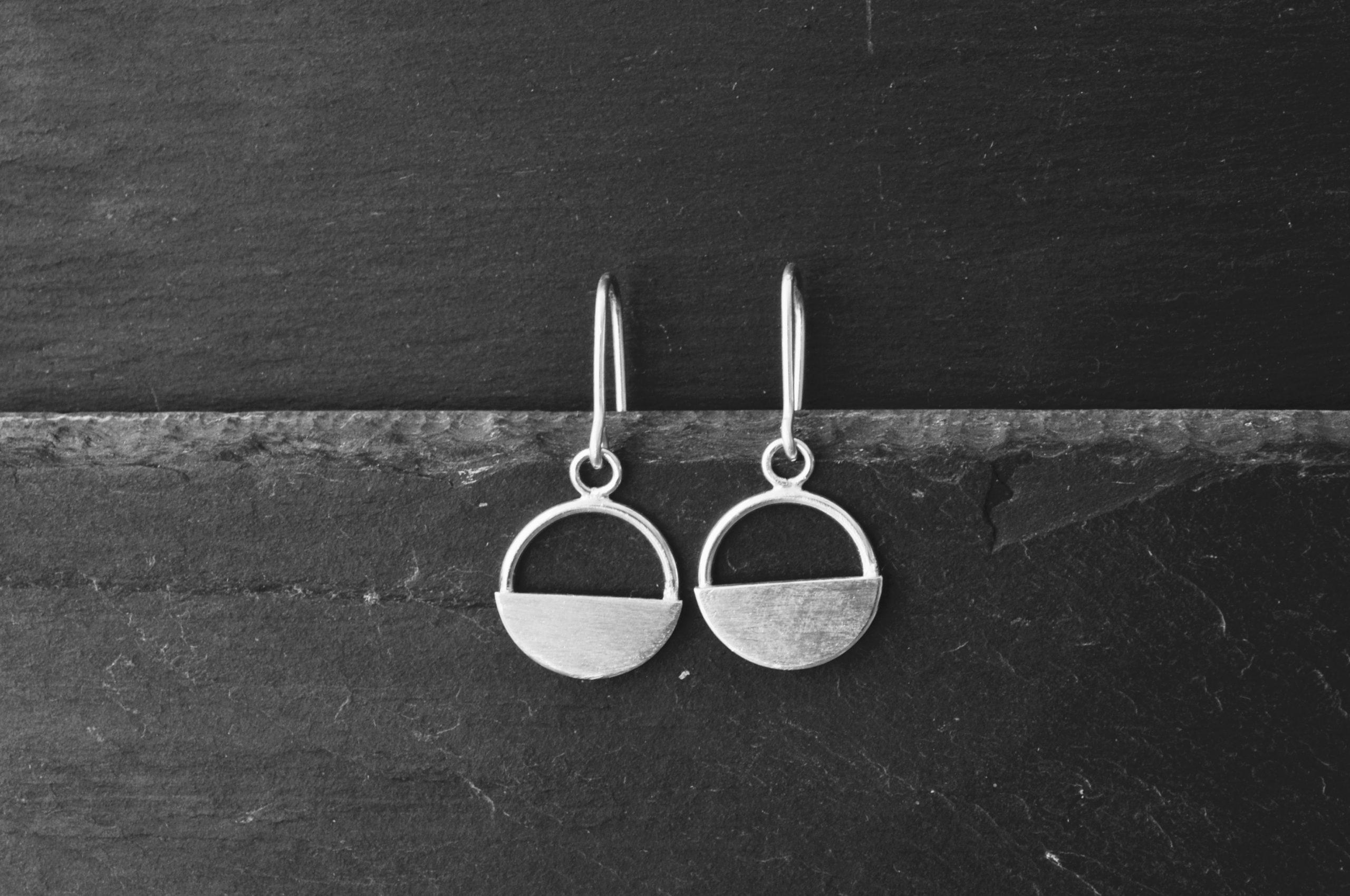 Grace Hanging Earrings