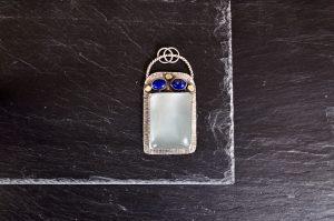 Aquamarine and lapis lazuli pendant